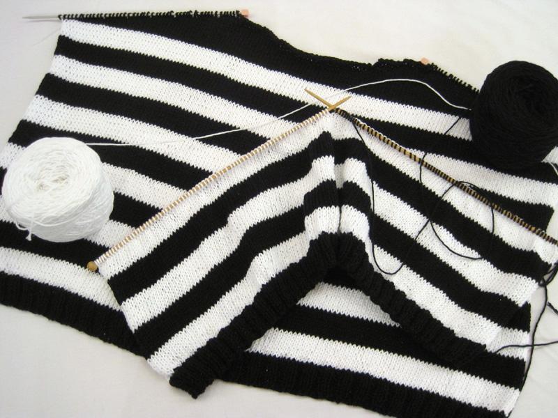 coton pull 白黒
